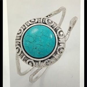 Jewelry - New Silver Turquoise Swirl Design Bangle Bracelet